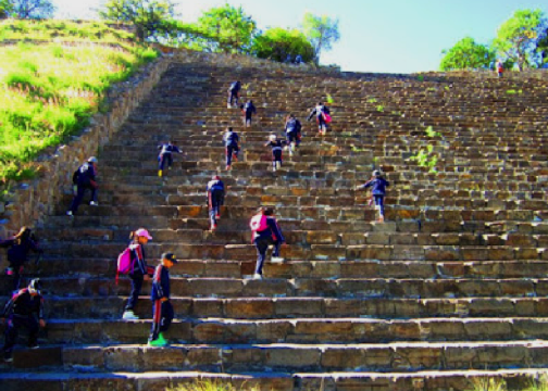 oaxaca_ruins_climbing the stairs.png