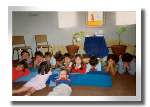 children_praying.png