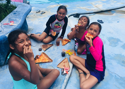 oaxaca_children eating pizza.png