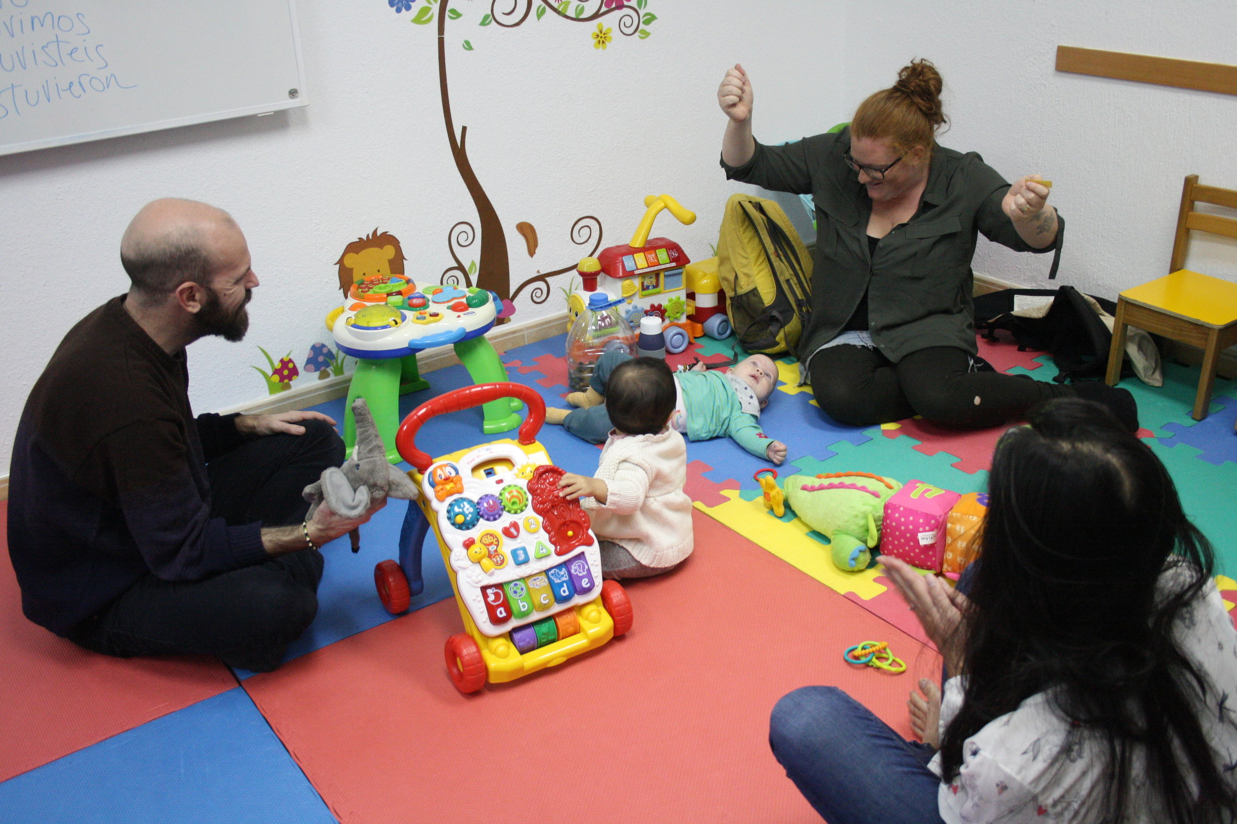 Learn a language in a fun and family friendly enviroment   Children's  Activities     SIGN UP!