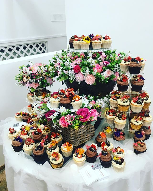 Cupcake heaven 😍🎂😋 #oldlibrary #event #digbeth