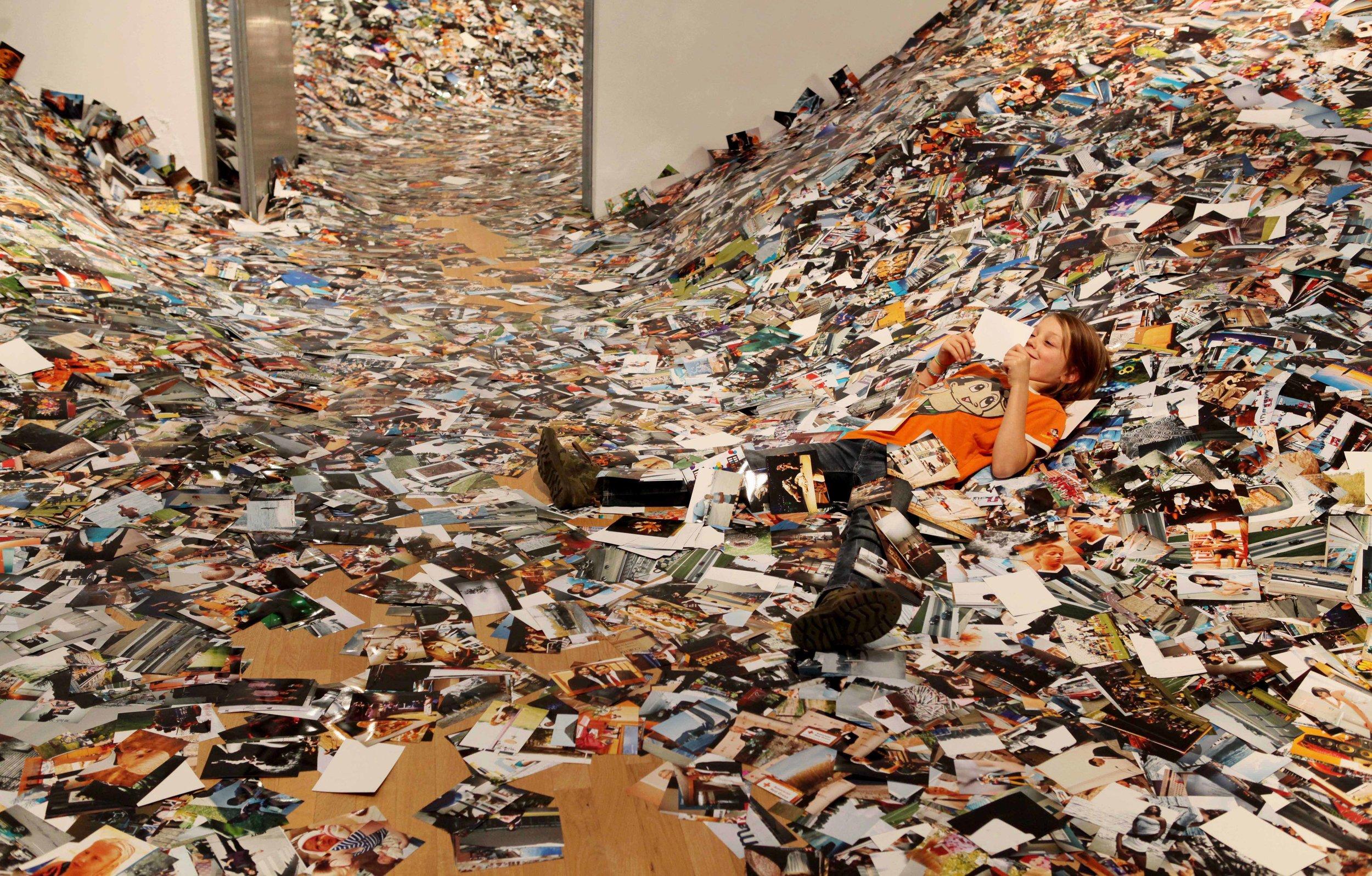 02 Exhibition - 24hrs of Photos - Erik Kessels.jpg