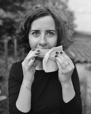 Elena Hurjui, Strategy