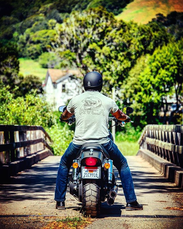 When at an impasse, don't be dithered. Collect yourself, build a bridge and ride over it. Never stop progressing !!! . . #SLYRAWD #harleyDavidson #fatbob #harleyFatbob #blackHarley #motorcycle #motorcyclediaries #harleylovers #harley #harleys #harleyRider #ride #harleyDavidsonMotorcycles #harleyLife #harleysOfInstagram #harleydavidsonnation #ridetothewest #goldenstate #californialovin #california #bayarea #sanfrancisco #photooftheday #instagood #visitsanfrancisco #buildbridgesnotwalls #nevertakeastepback #keepgoing #rvca #akouryhelmets