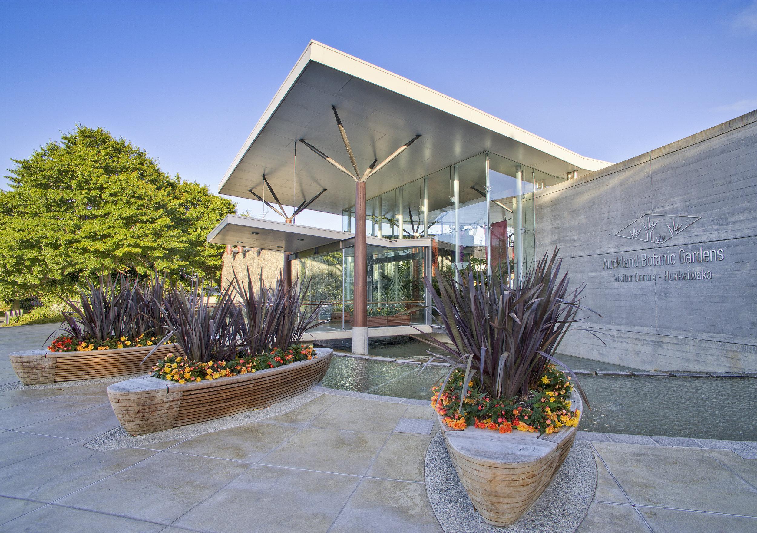 Courtesy Auckland Botanic Gardens Gallery