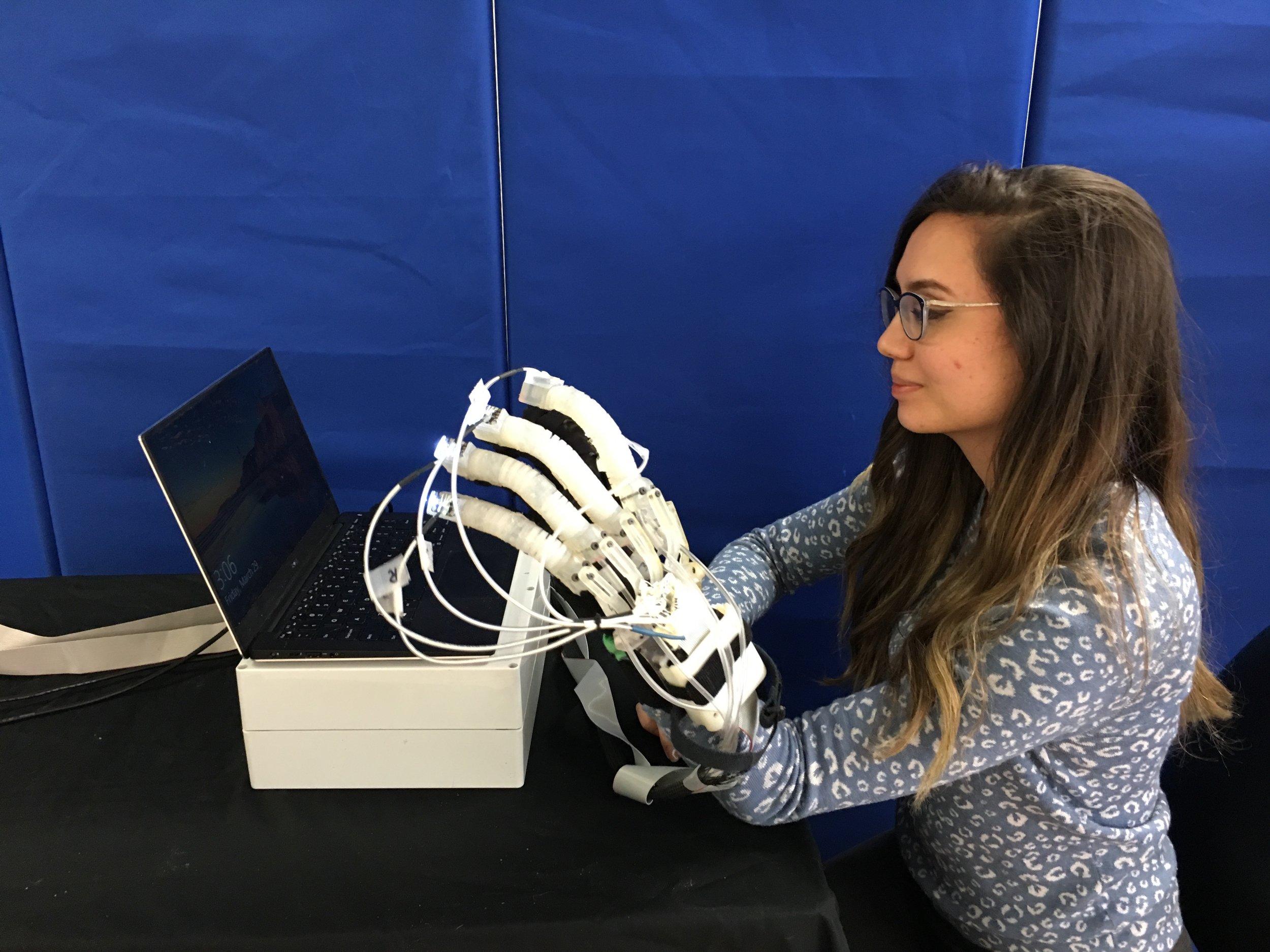 rehab-glove-2019.jpg