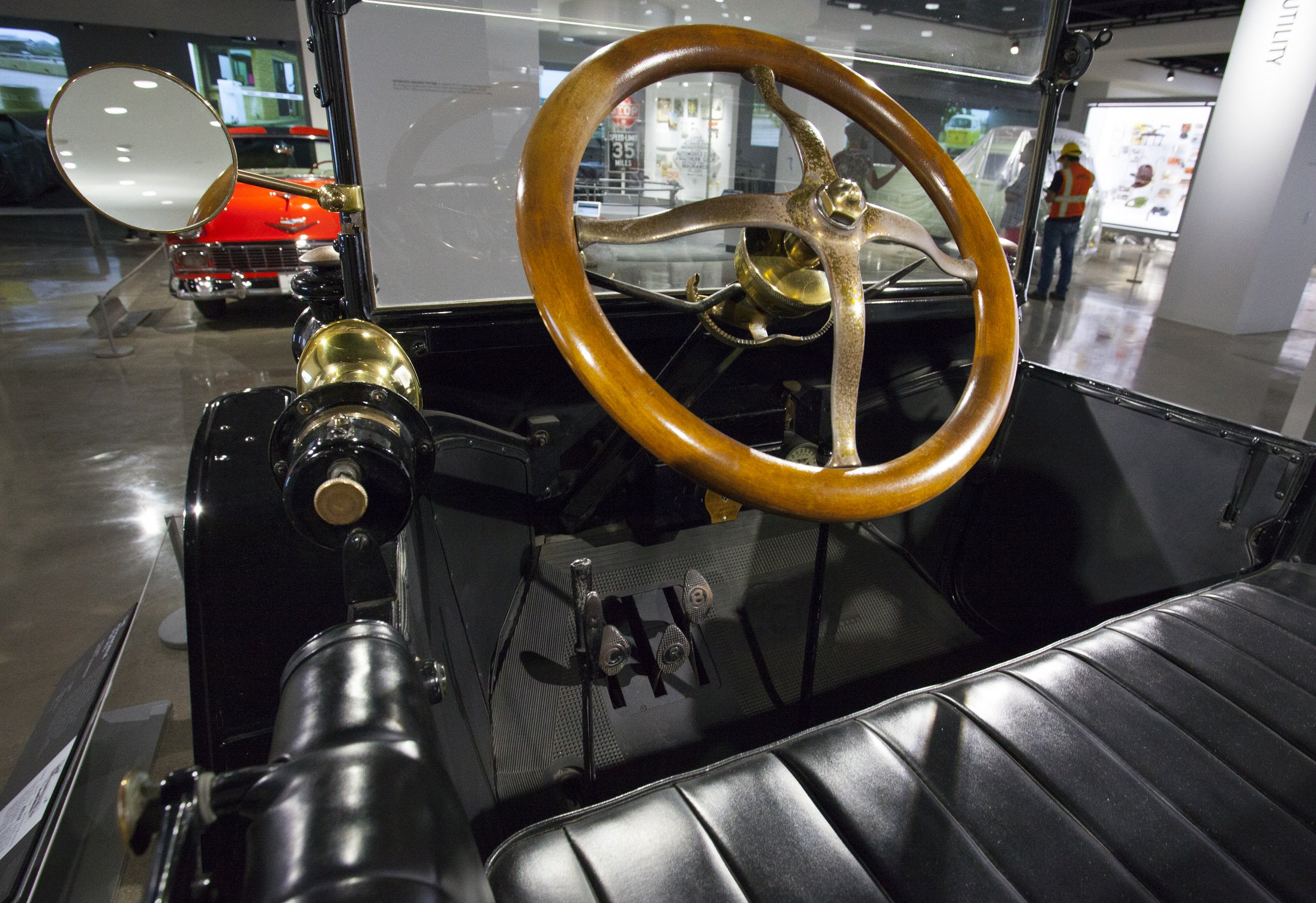 1915 Ford Model T Runabout 2.jpg