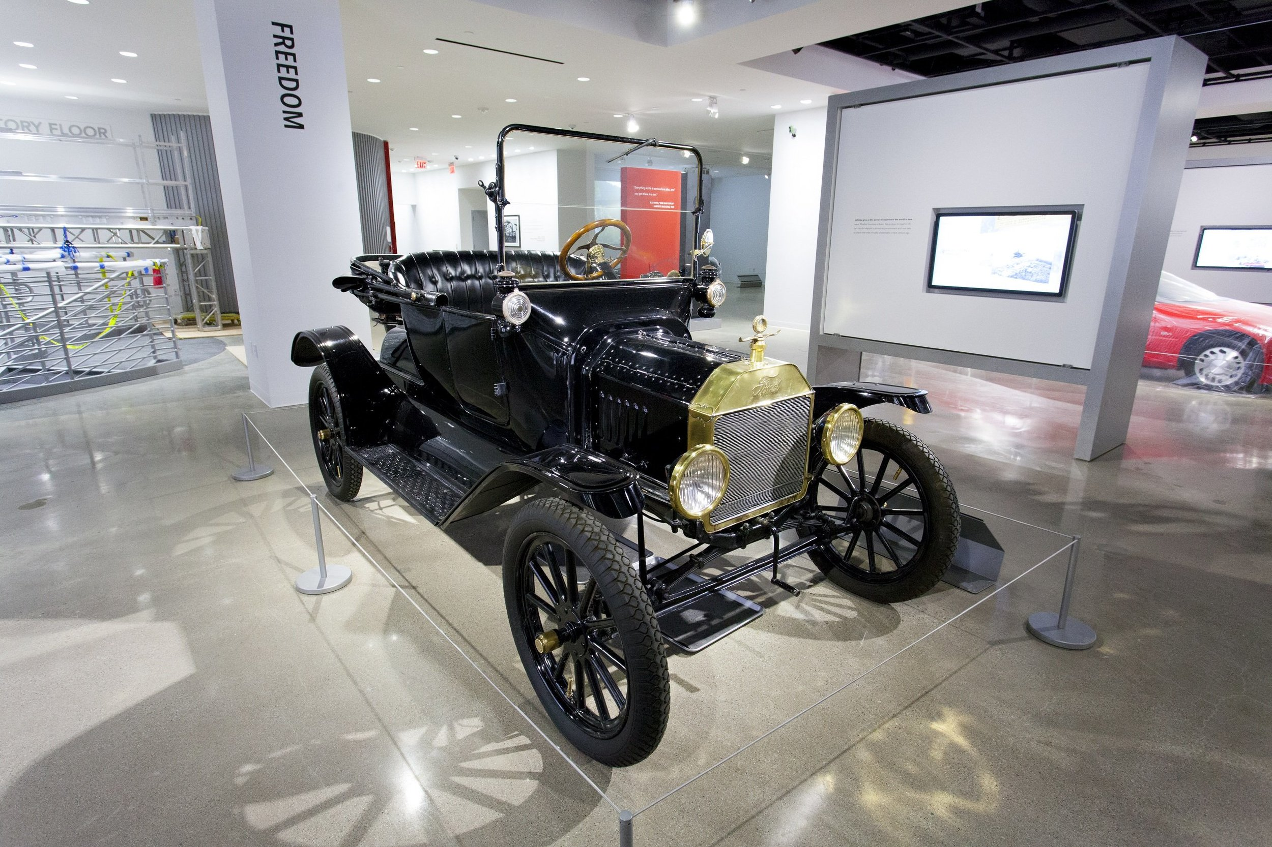 1915 Ford Model T Runabout 3.jpg