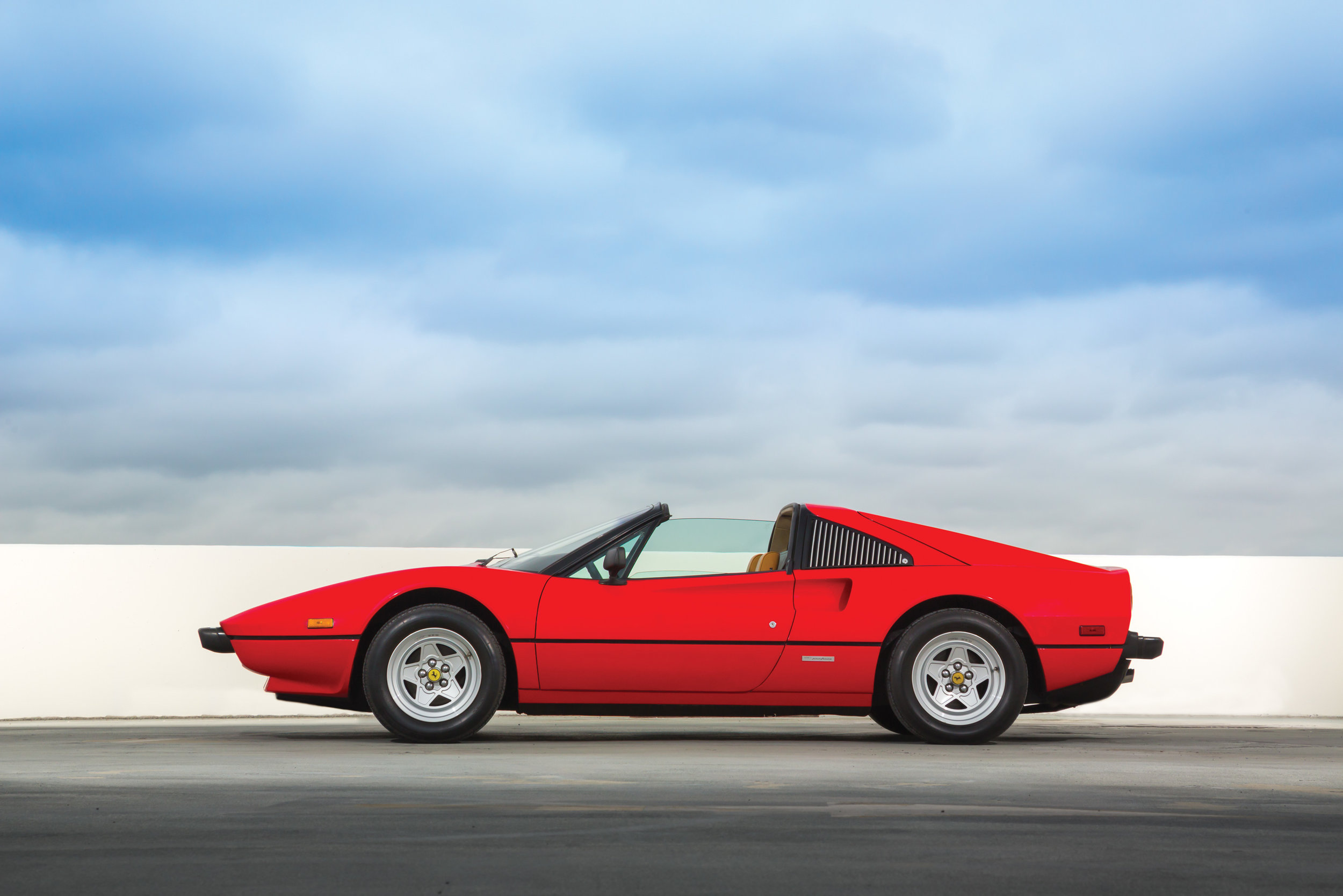 1982 Ferrari 308 GTSi Magnum PI 2.jpg
