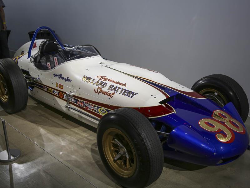 Parnelli-Jones-Petersen-LA-exhibit-18-Hagerty.jpg