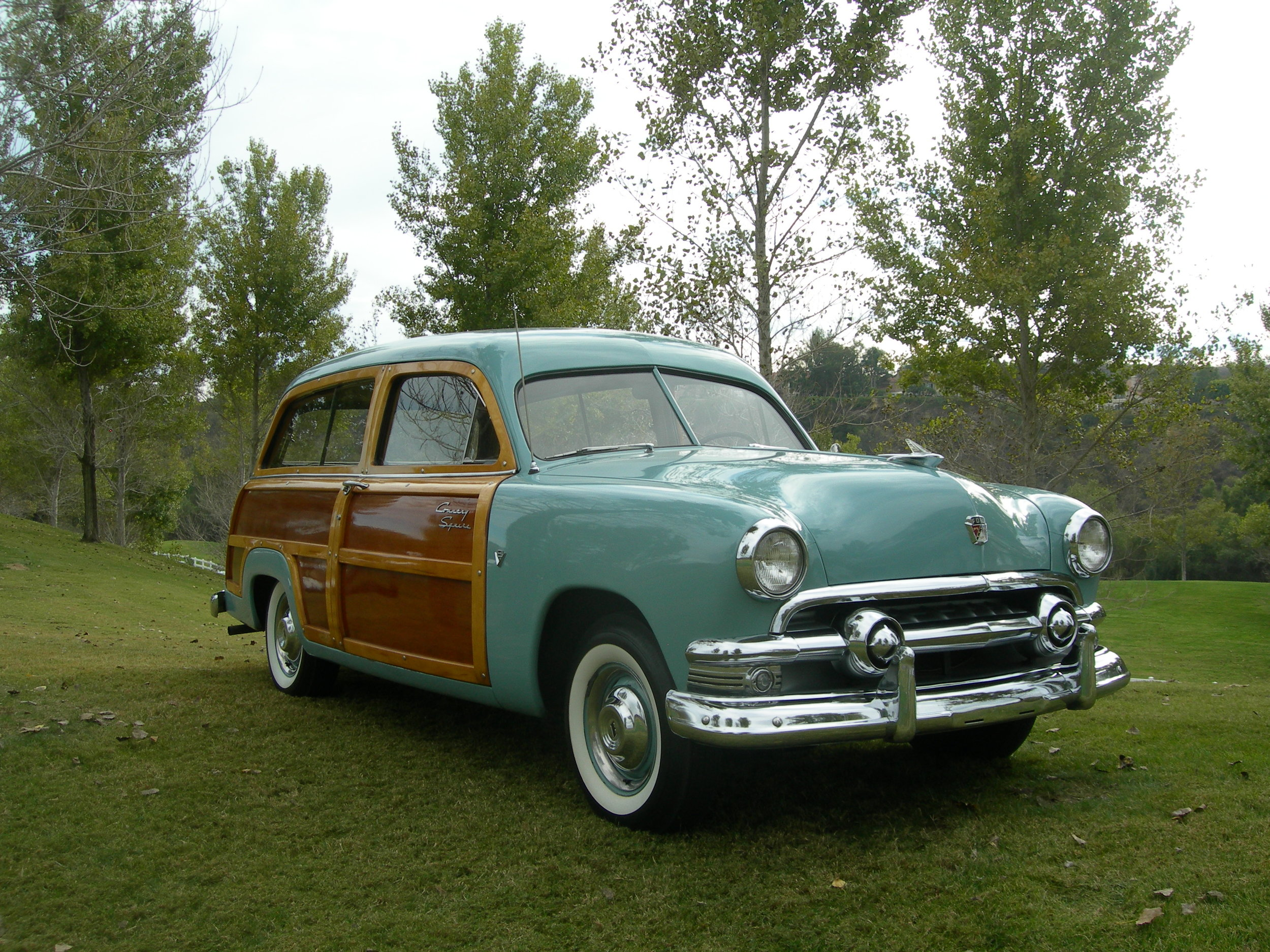 Ford 1951 Country Squire 002.jpg