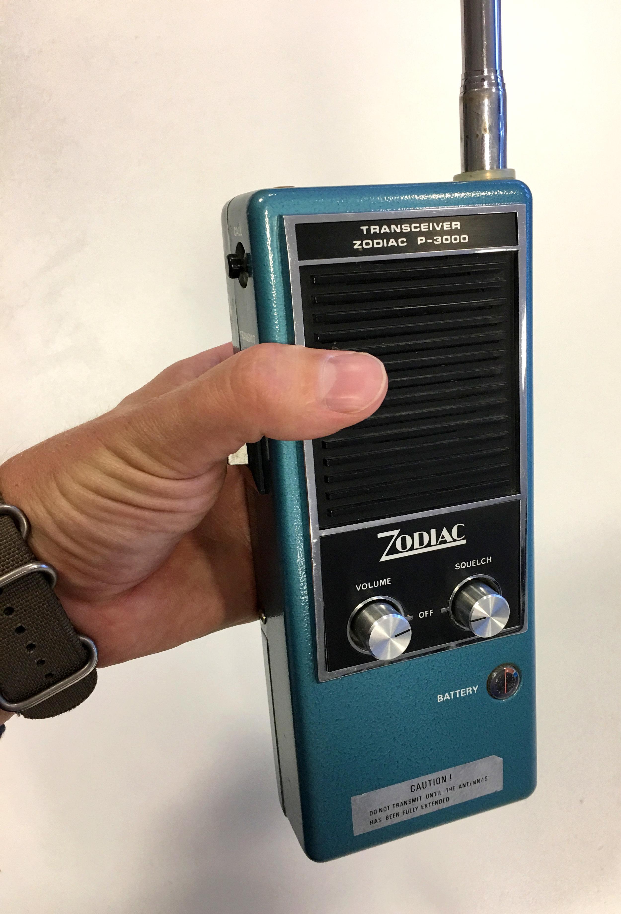 Zodiac har varit med på banan länge. Denna komradio var det senaste på 80-talet och bäst räckvid fick du när den nästan 2 meter långa antennen drogs ut.