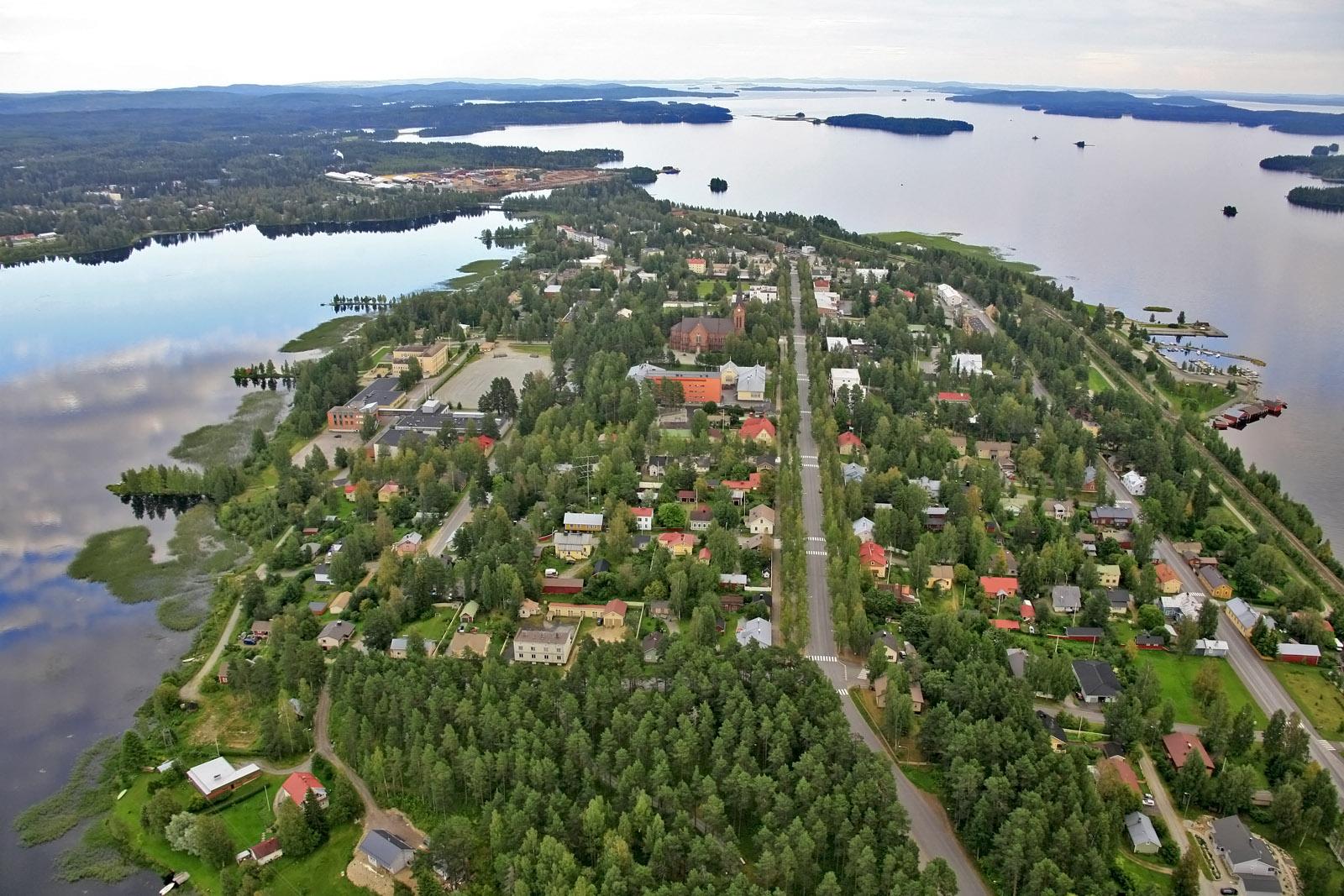 Staden Nurmes i de tusen sjöarnas land.