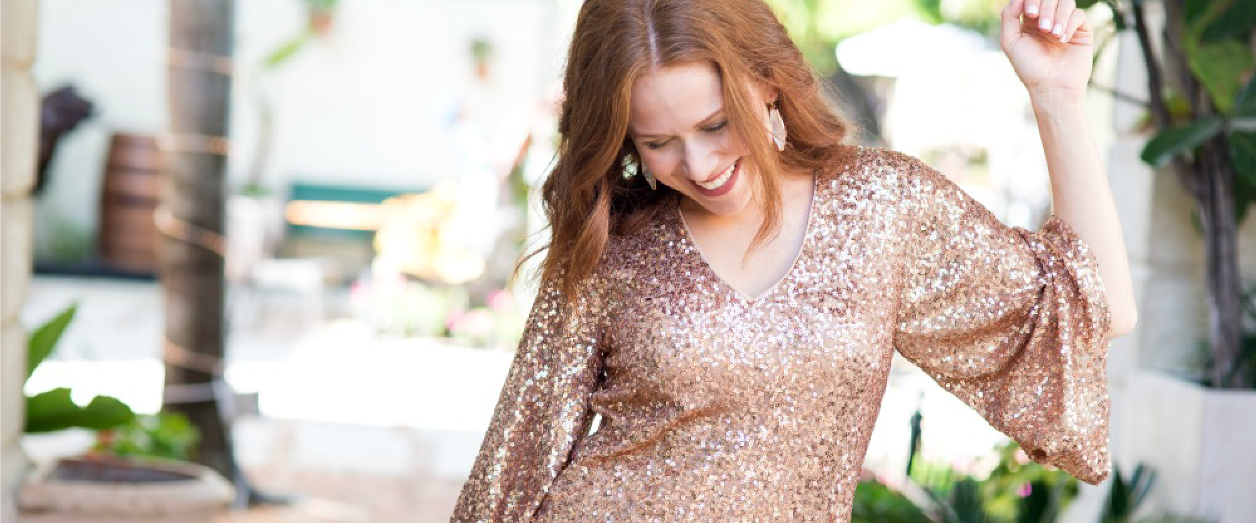 Alyson  of  The Modern Savvy  is wearing the  Veronica Shift ($138)