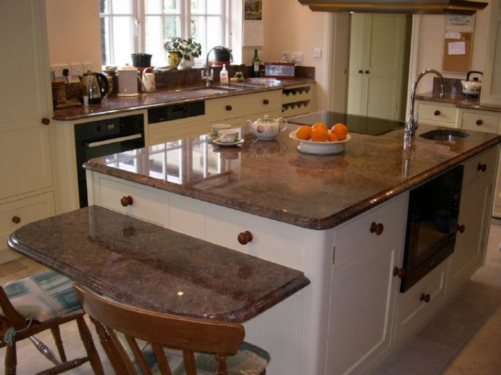 Antique-Persa-Granite1-705x528.jpg
