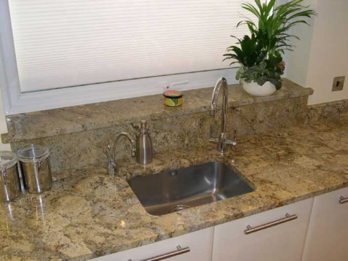 Golden-Beach-Granite-705x528.jpg