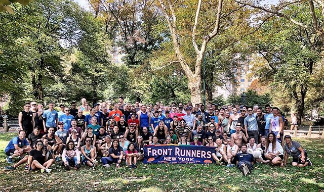 Great food, nice fall weather, awesome company—this is our membership 🏃‍♀️👭👫👬🏃‍♂️ . . . . . #frontrunners #lgbtrunners