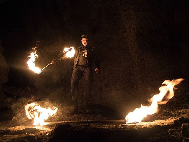 Ian Bennett under the Cacodemon boulder about to get his staff on!  Such a neat location to be capturing some of his mastery. . . . . #firespinner #firespinning #fireflow #flowartist #flowtoys #flowarts #fireperformer #firestaff #flowartsmovement #techpoi #firepoi #squamish #squamishchief #squamishisawesome