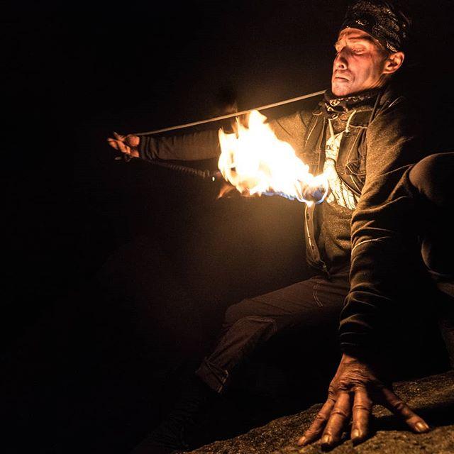 I love Ian's face here! . . . . . #firespinner #firespinning #fireflow #flowartist #flowtoys #flowarts #fireperformer #firestaff #flowartsmovement #techpoi #firepoi #squamish #squamishisawesome #squamishchief