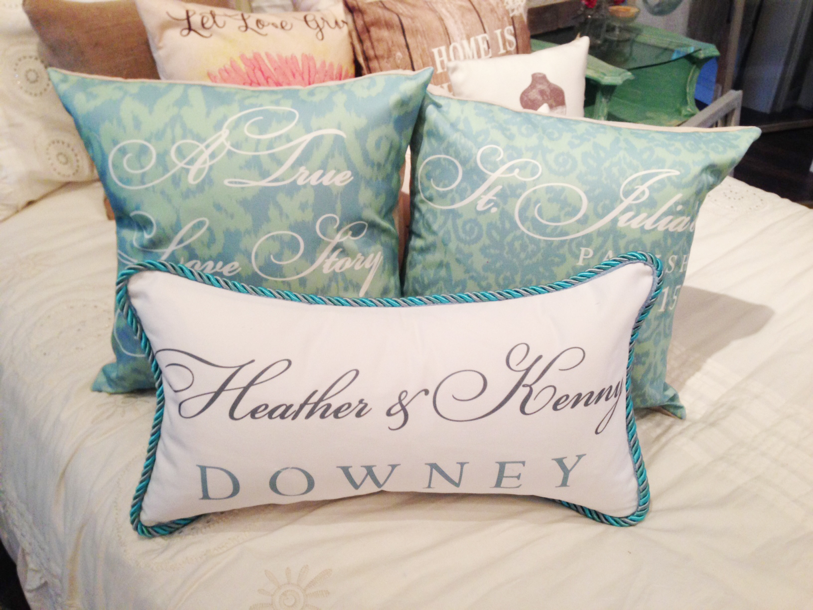blueGreenWeddingPillows.jpg