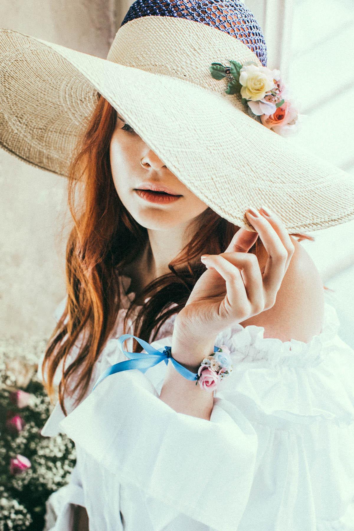 We-Are-Flowergirls_Lookbook_Flowercrown_Blumenkranz_SS17_c_Lupi-Spuma_Web_04.jpg