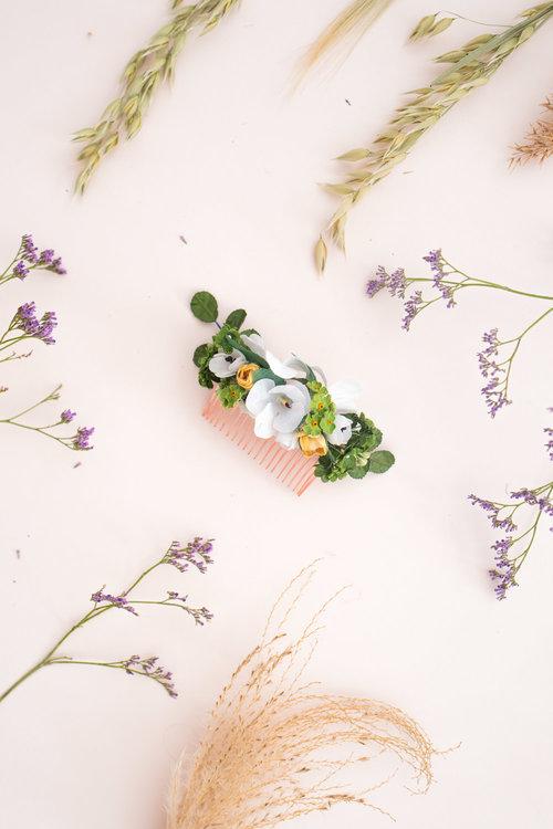 We-Are-Flowergirls_Trachten-Collection_Flowercrown_[L1010245].jpg