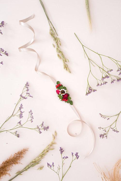 We-Are-Flowergirls_Trachten-Collection_Flowercrown_[L1010250].jpg