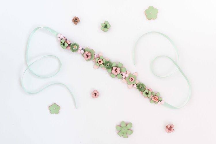 We-Are-Flowergirls_Designer-Edition_SS17_Marina-Hoermanseder_Flowercrown_MARINA_[L1030066].jpg