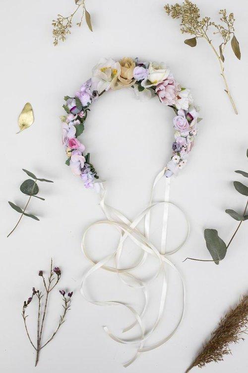 We-Are-Flowergirls-Wedding-Collection-Blumenkranz-Flower-Crown-Amilia-€109.jpg