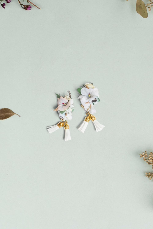 We-Are-Flowergirls_ConstantlyK_Ohrringe-constantly-white-€39.jpg