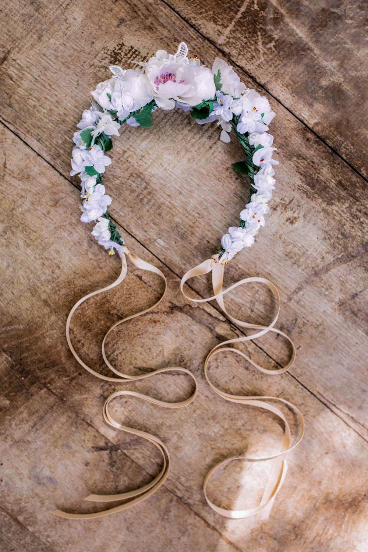 WeAreFlowergirls-Dirndl-Frisur-Blumenkranz-Country-House-Collection-Flower-Crown-Friedalein-€139,-.jpg