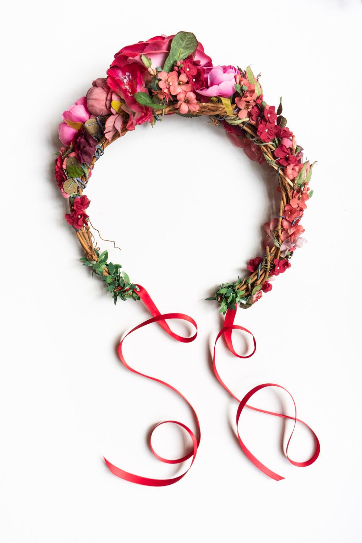 WeAreFlowergirls--Around-the-head-Flowercrown-Roxane-€149,–[L1480179].jpg