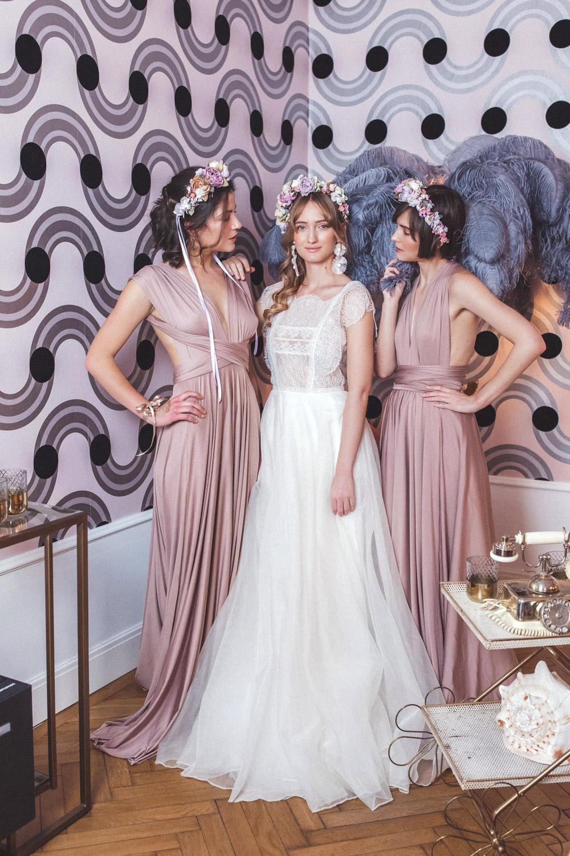 We-Are-Flowergirls-Shooting-Bilder-web-Neverland-Collection-Blumenkrank-Flowercrown-Seidenblumen-Hochzeit-Headpiece-Wedding[10].jpg