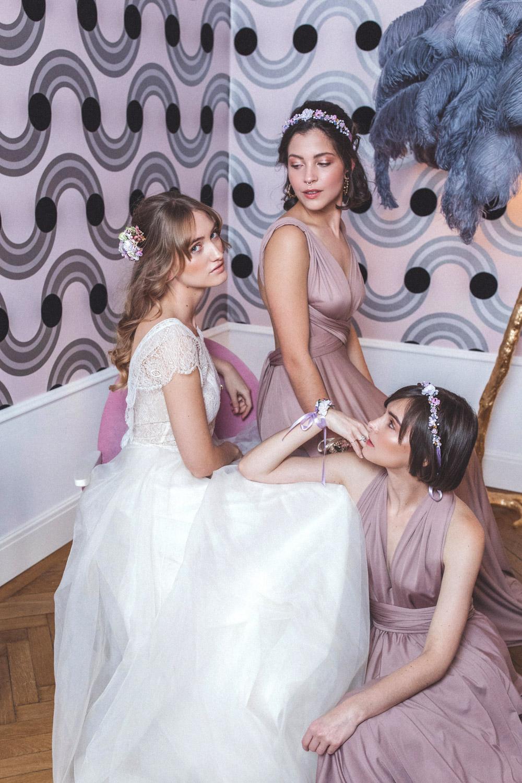 We-Are-Flowergirls-Shooting-Bilder-web-Neverland-Collection-Blumenkrank-Flowercrown-Seidenblumen-Hochzeit-Headpiece-Wedding[12].jpg