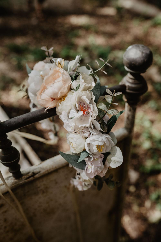 WeAreFlowergirls-Dirndl-Collection-Designer-Edition-Nina-Wrodnigg-Headpiece-Flowercrown[WAF_Dirndl_Nina_überarbeitet-4].jpg