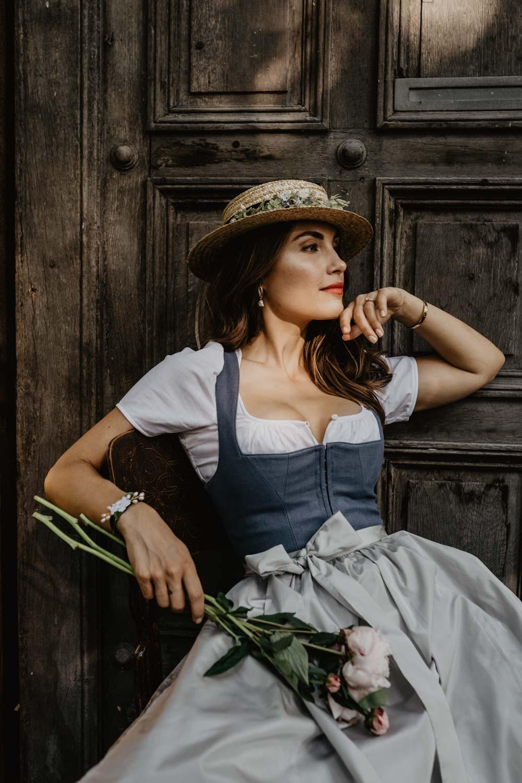 WeAreFlowergirls-Dirndl-Collection-Designer-Edition-Nina-Wrodnigg-Headpiece-Flowercrown[WAF_Dirndl_Nina_überarbeitet-68].jpg