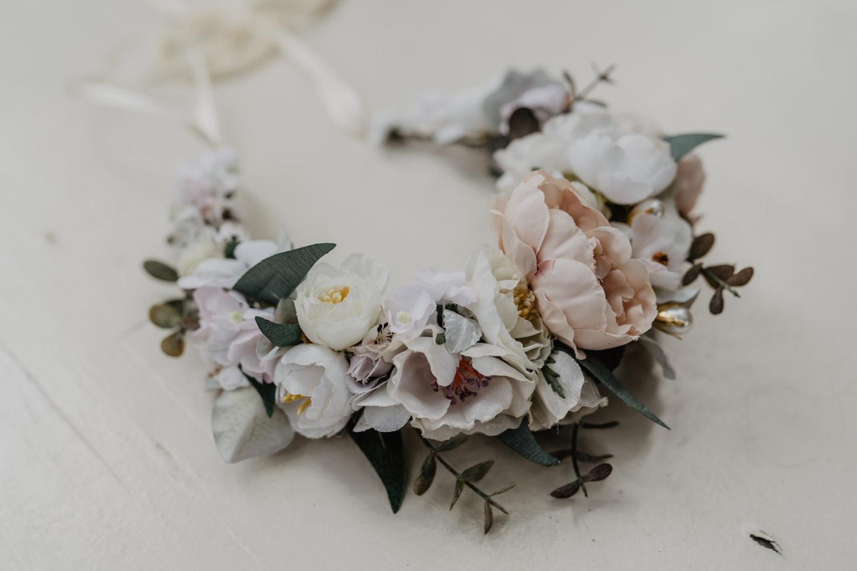 WeAreFlowergirls_X_NinaWro_Trachten_Dirndl-Designer_Edition_2019_Flowercrowns-2.jpg