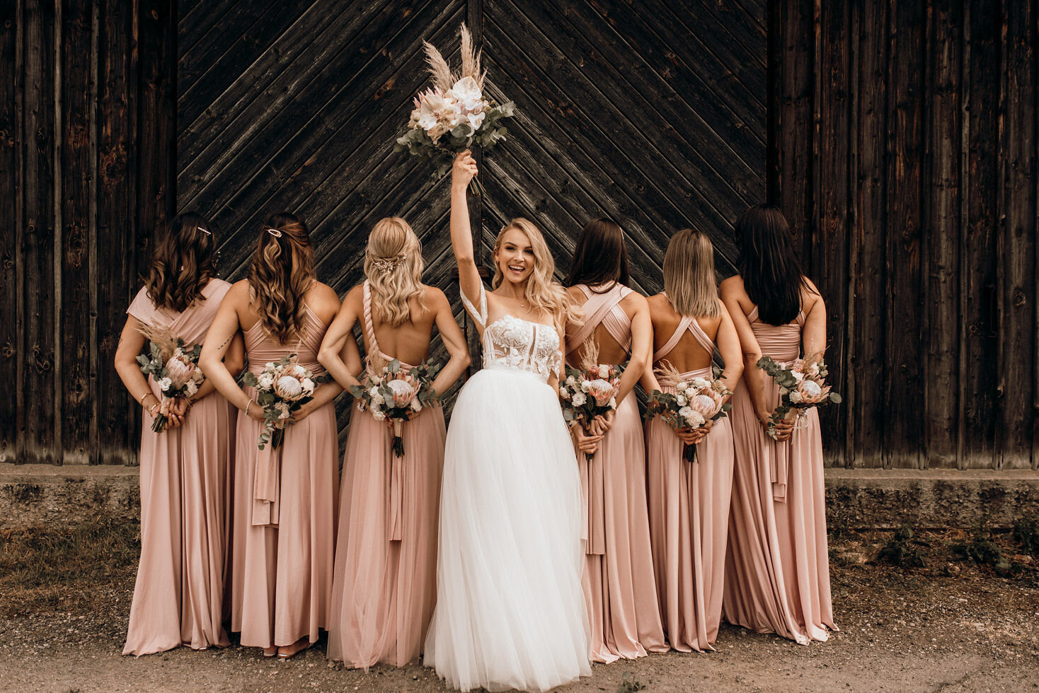 We-Are-Flowergirls-Bridesmaids-Dresses-Bride-PATRIZIA-PALME-©Beloved-Photography-13.jpg