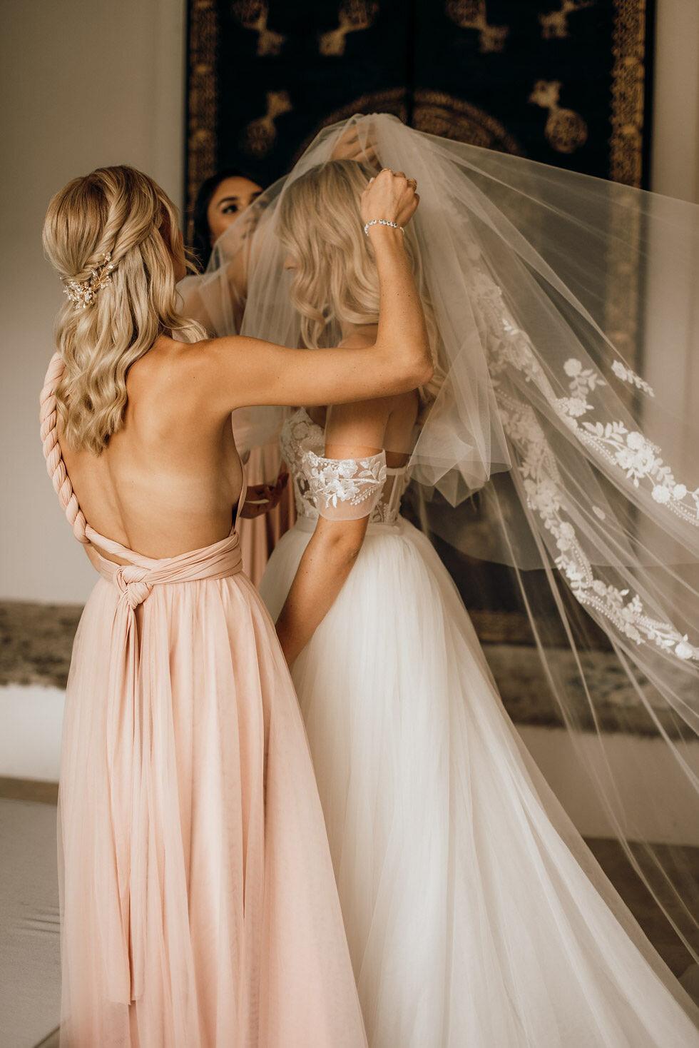 We-Are-Flowergirls-Bridesmaids-Dresses-Bride-PATRIZIA-PALME-©Beloved-Photography-1.jpg