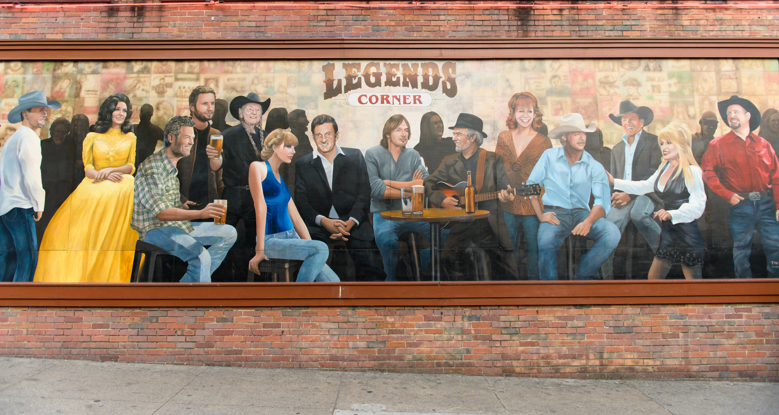 Get your photo with some of the country music greats (minus T-Swift, not sure she deserves to be in the company of some of these legends)