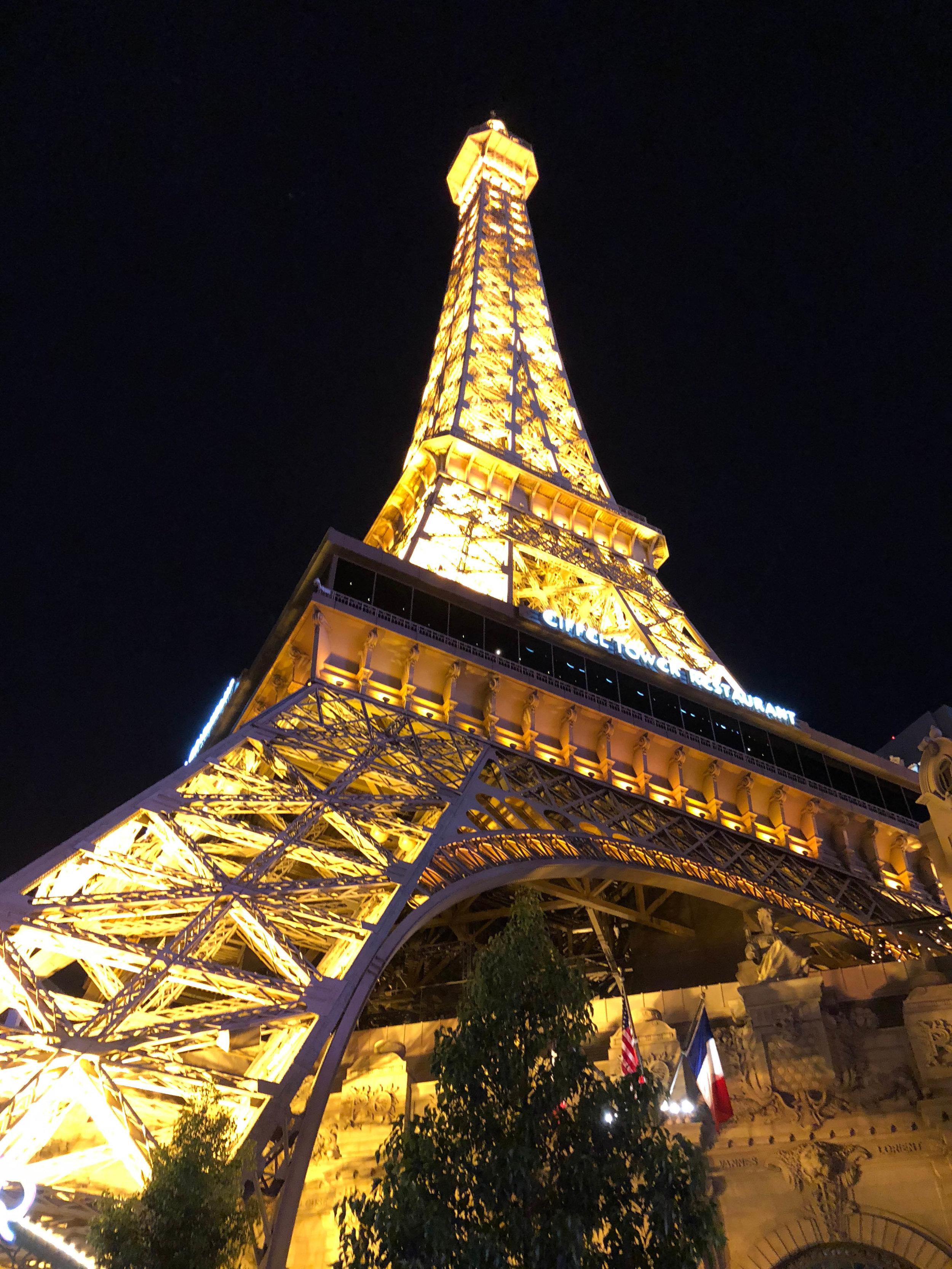 Las Vegas_Vertical Photos_the strip2.jpg