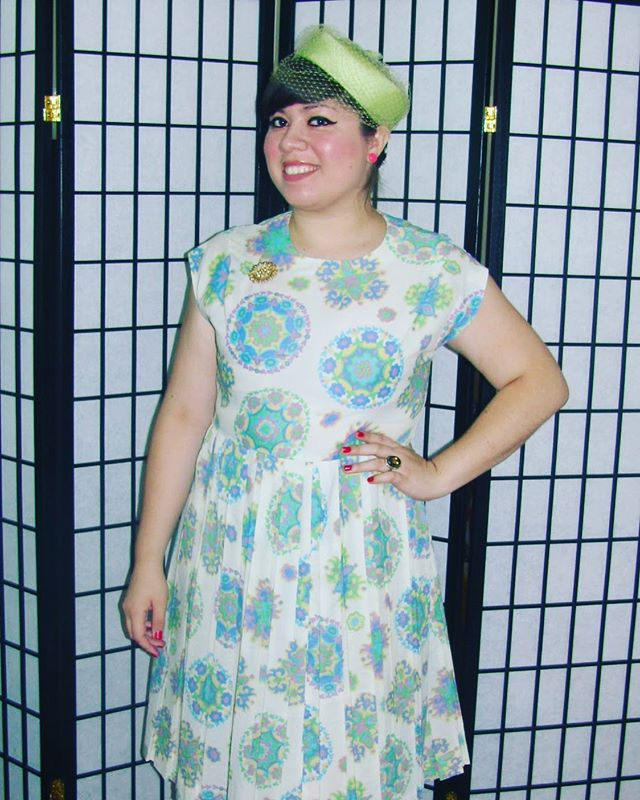 This adorable sixties dresses is one of the newest in stock, repaired and ready for a new owner! 🔥🌈💕