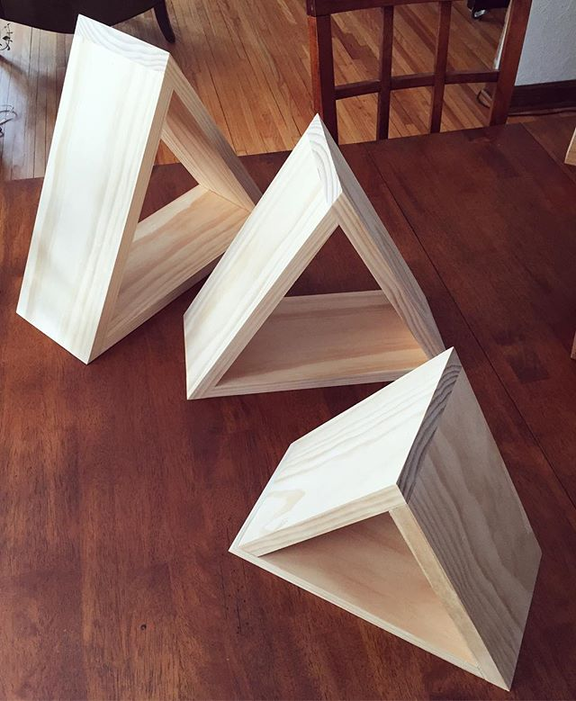 Custom set of triangle shelves made for @lavalinens! They are a small business based out of Boulder, Colorado that hand makes organic, eco-friendly linen towels, check them out!