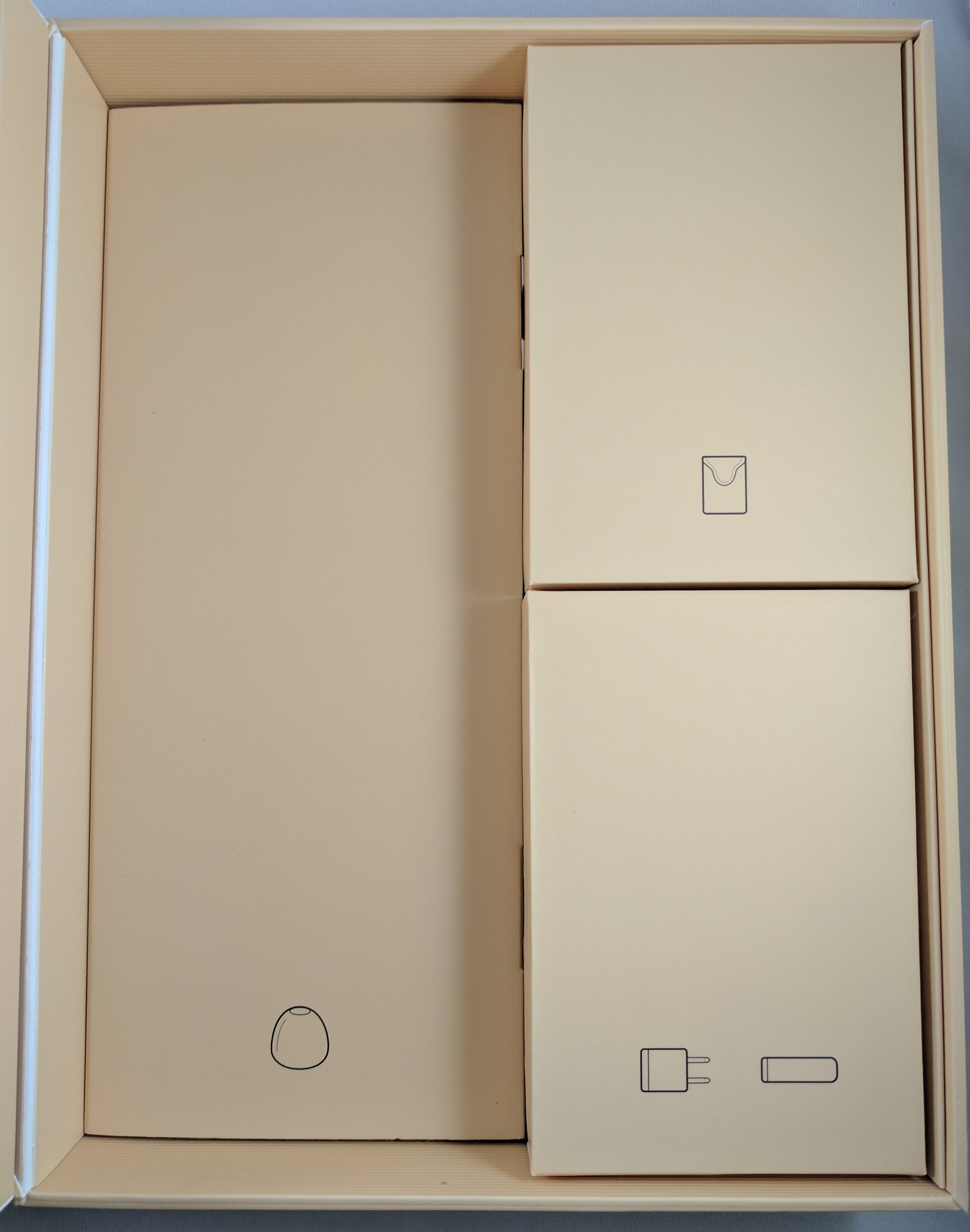 5 Box Contents 2.jpg