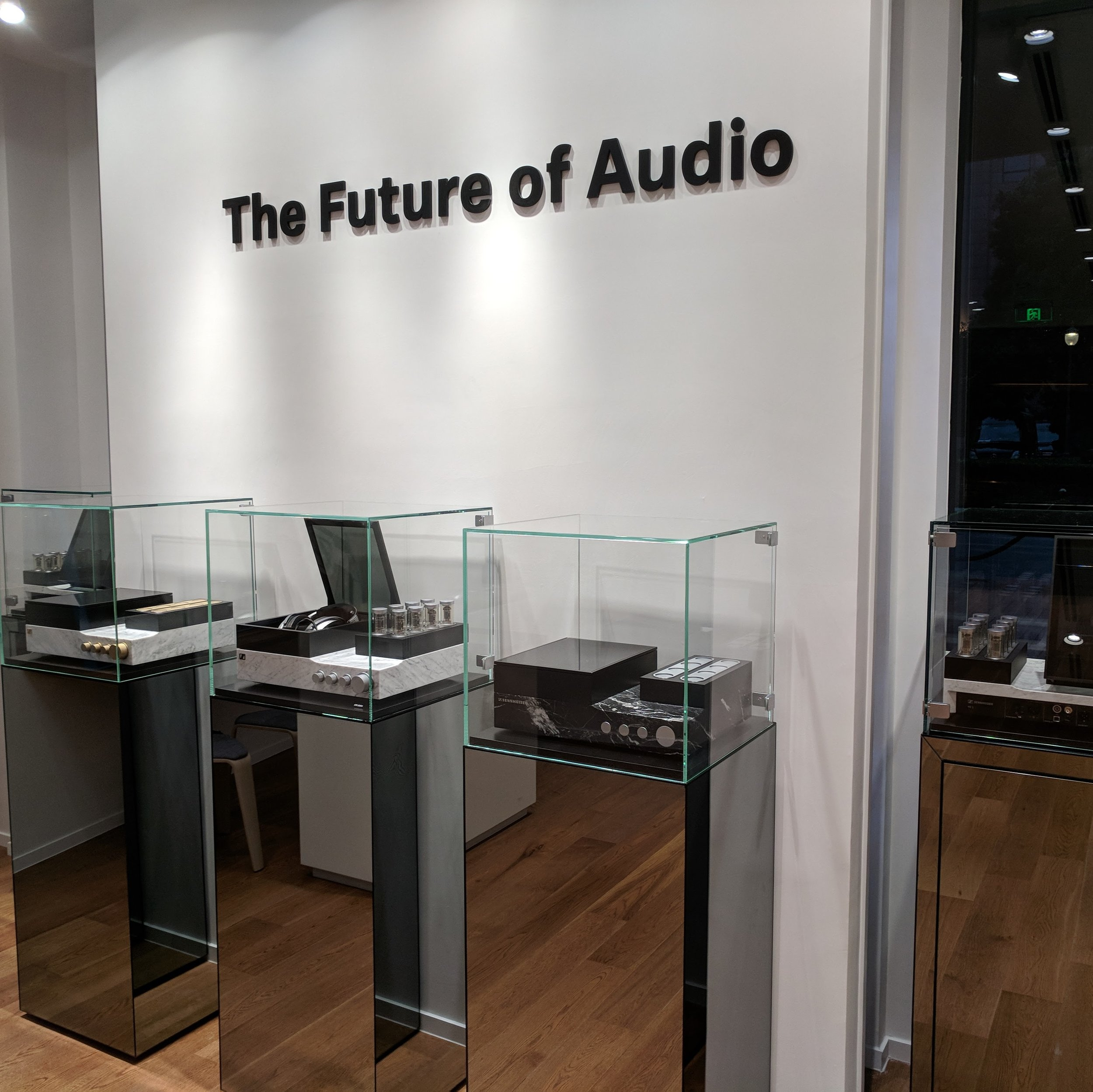 sennheiser-he-1-glass-case-the-future-of-audio.jpg