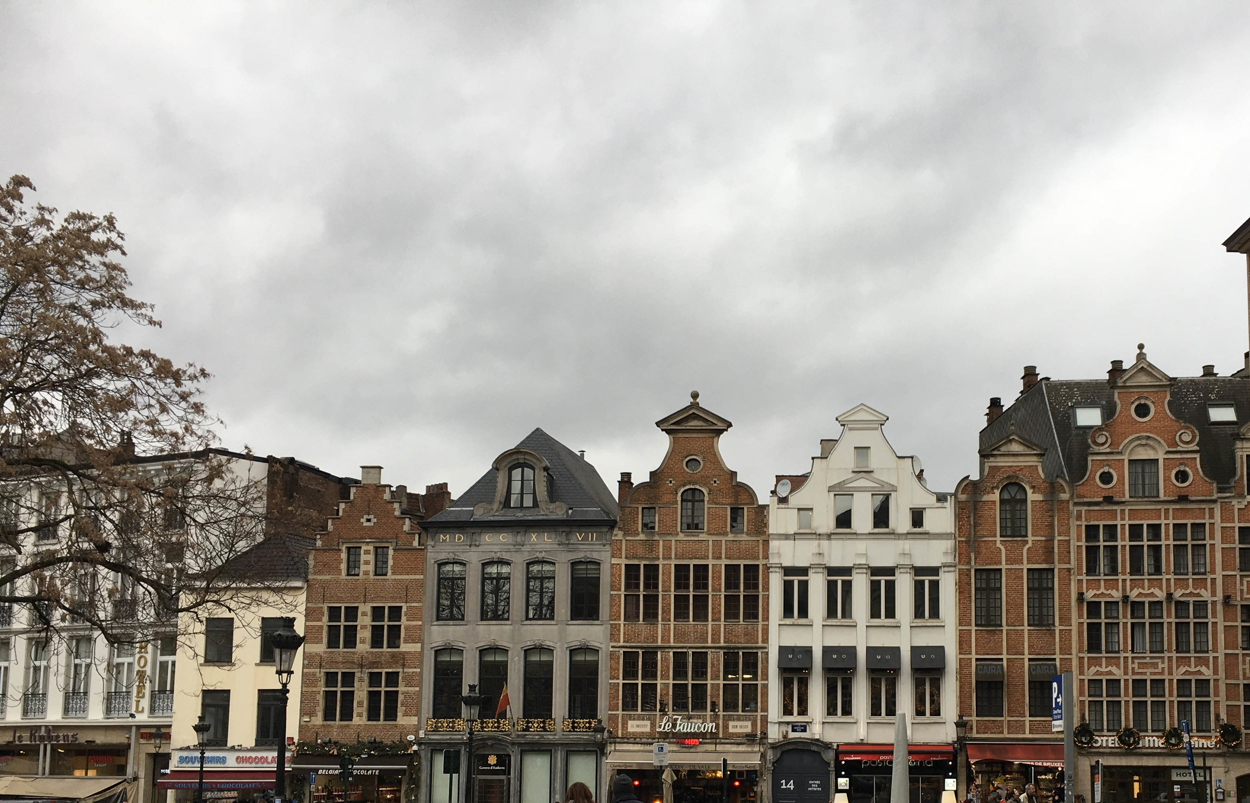 Different buildings in Brussels near la Grand Place. Discover itineraries in Belgium and in the Europe