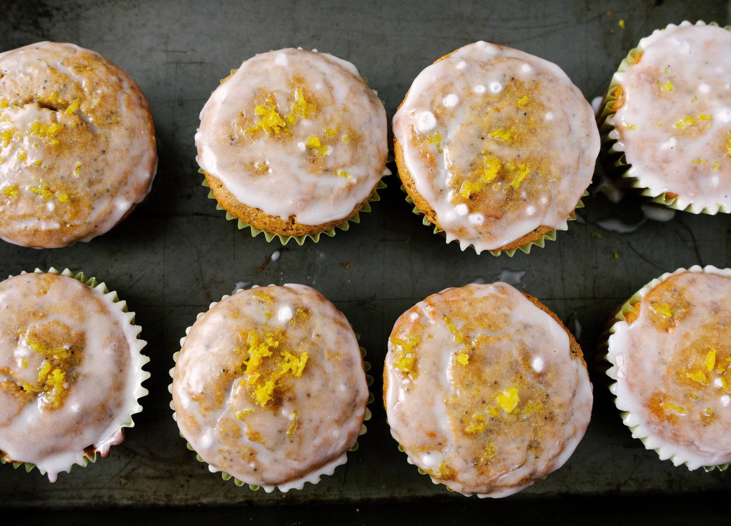 Bring on the spring flavors with these delicious, grain free lemon poppy seed muffins. Made with paleo ingredients these muffins are fluffy and packed with bright lemon flavor.