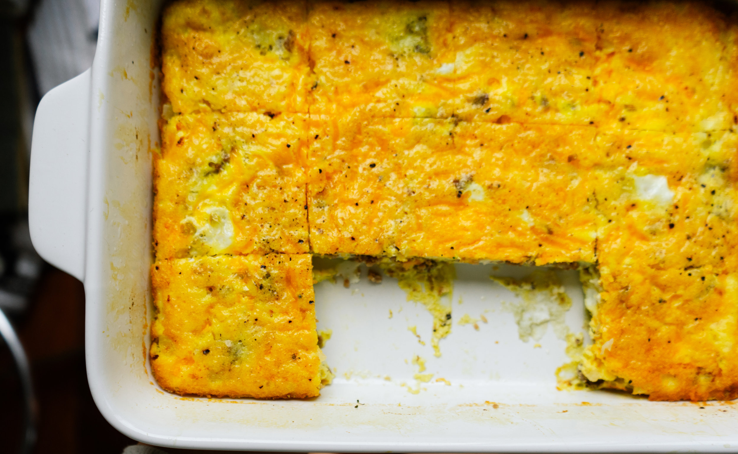 Cheeseburger breakfast casserole is a low carb breakfast meal prep recipe that you can prep once and enjoy at work or with your family. Made with simple,  low carb high fat ingredients this delicious dish comes together in less than 45 minutes.