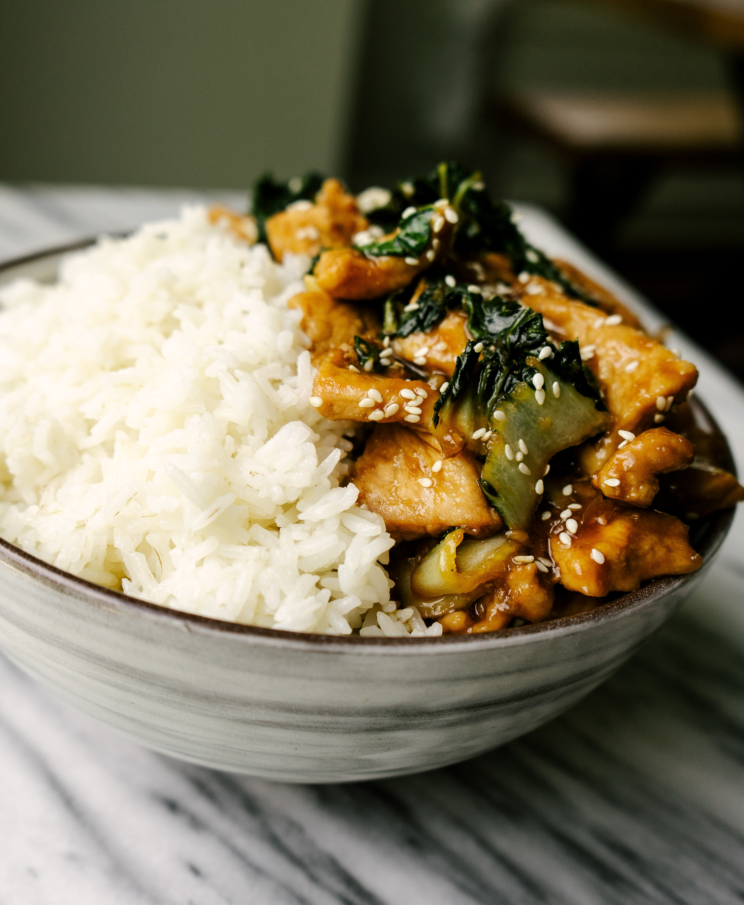 Easy Teriyaki Pork and Bok Choy is a simple weeknight dinner that is an easy and healthy alternative to take out. This easy teriyaki pork comes together in less than 30 minutes and makes for a delicious quick dinner when served with some simple white rice.
