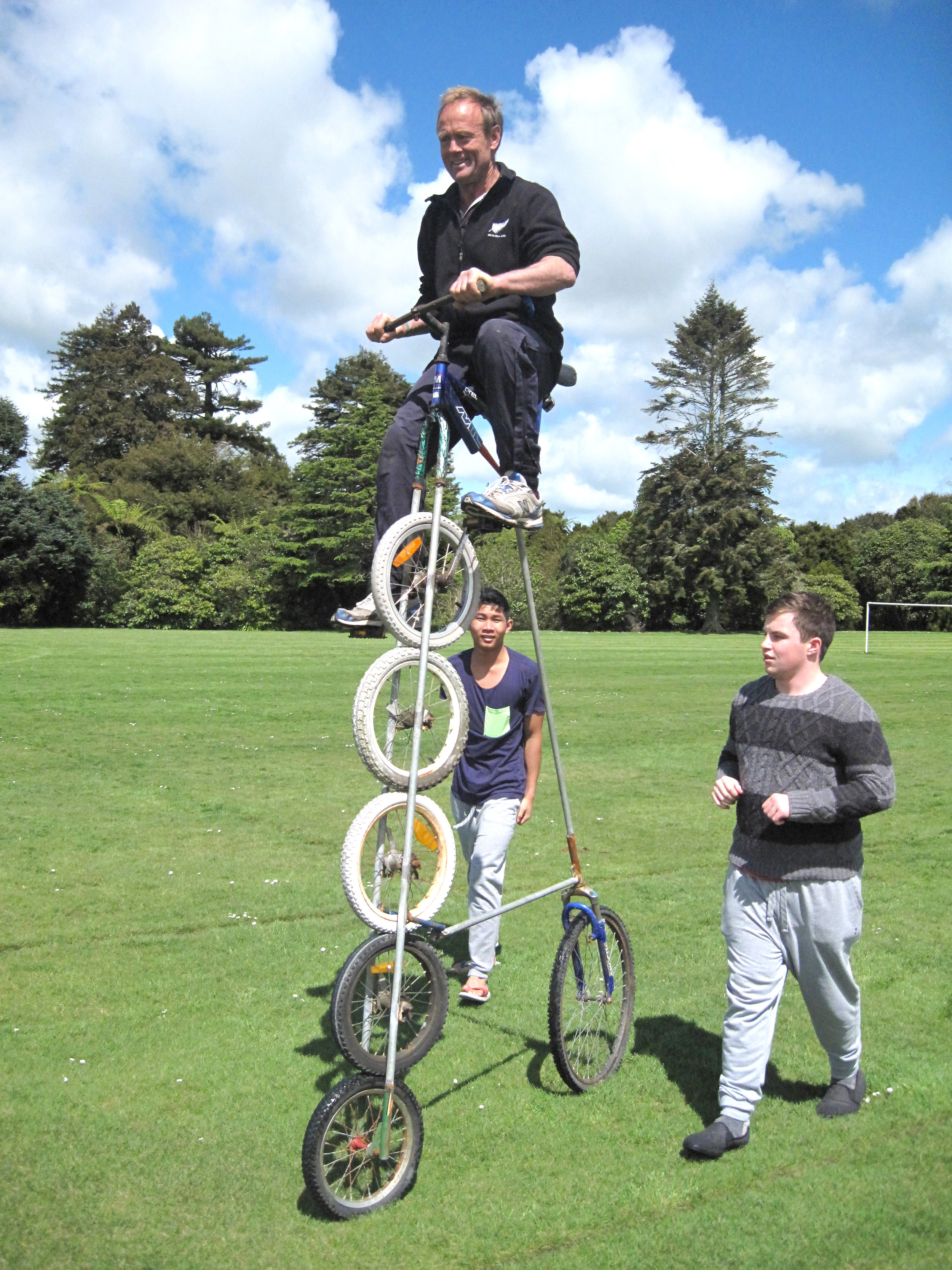 wheel 10 tall bike @ SPS 005.jpg